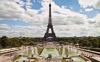 Ades Web Magazine: Paris Volume 10 by Manuel Balossi